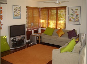 Beautiful house in a tropical private setting close to all...