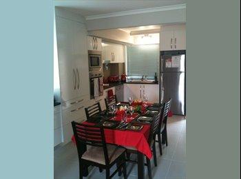 EasyRoommate AU - Large bedroom with ensuite & Aircon - Yeerongpilly, Brisbane - $220