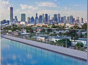 EasyRoommate AU - Room Available NOW!! in West End w/ Rooftop pool - West End, Brisbane - $400