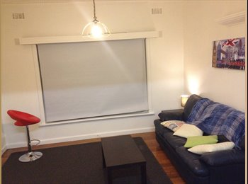 EasyRoommate AU - West Footscray/ Kingsville, 10 mins City, Fully furnished - West Footscray, Melbourne - $143