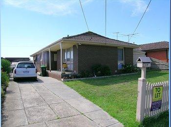 EasyRoommate AU - Keilor East House 200pw inc bills and internet! - Keilor East, Melbourne - $200