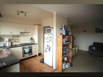 EasyRoommate AU - Beachside unit - Clovelly, Sydney - $310