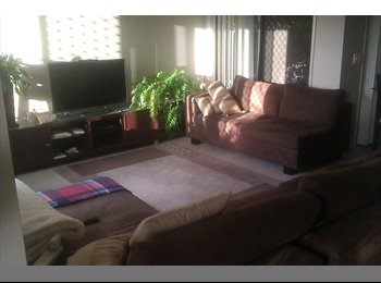 EasyRoommate AU - Single room in a great complex - Mudgeeraba, Gold Coast - $170