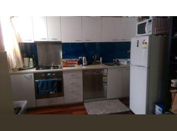 EasyRoommate AU - house share - Westmead, Sydney - $300