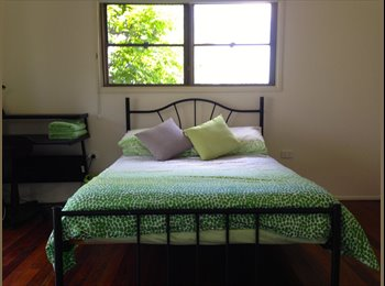 EasyRoommate AU - Fully furnished double bedroom w/ensuite & balcony - Red Hill, Brisbane - $220