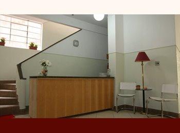 EasyQuarto BR - FAST FLAT  PENSIONATO - CURITIBA - CENTRO - QUARTO - Centro, Curitiba - R$500