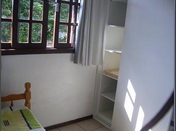 EasyQuarto BR - alugo quartos para moças - Joinville, Região de Joinville - R$476