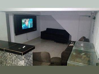 EasyQuarto BR ALUGA-SE QUARTOS PARA RAPAZES EM GUARULHOS! - Guarulhos, RM - Grande São Paulo - R$300 por Mês - Foto 1