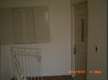 EasyQuarto BR - alugo quartos no jd da mamae guarulhos - Guarulhos, RM - Grande São Paulo - R$400