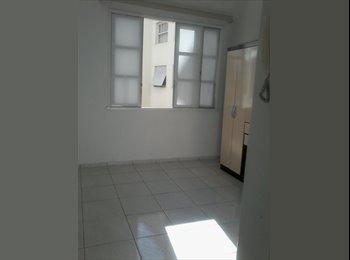 EasyQuarto BR - Conjugado com mobilia na Gloria - Bairro de Fátima, Rio de Janeiro (Capital) - R$1525