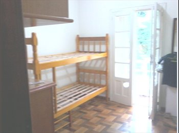 EasyQuarto BR - Alugo quarto frente ao Hosp Moinhos - Centro, Porto Alegre - R$650