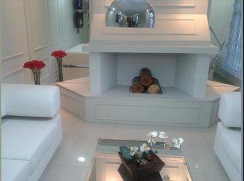 EasyQuarto BR - quarto para solteiros - Cajuro, Curitiba - R$399