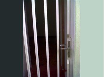 EasyQuarto BR - Suite mobiliada na área central ( Moças e senhora) - Piracicaba, Piracicaba - R$550