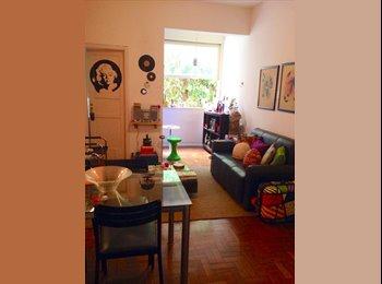 EasyQuarto BR - Alugo quarto em um charmoso apartamento em Laranjeiras, com vista para o verde. - Laranjeiras, Rio de Janeiro (Capital) - R$1500