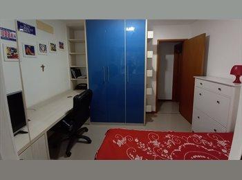 Alugo quarto individual.