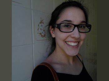 Patrícia - 20 - Estudante