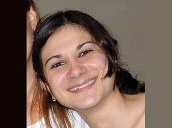 Mariana  - 26 - Estudante