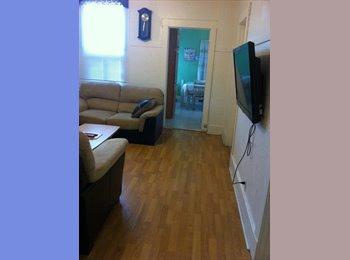EasyRoommate CA - Furnitured room near metro Monk for rent - Verdun, Montréal - $500