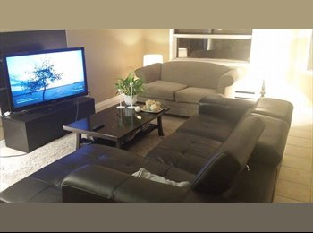 EasyRoommate CA - Big, Bright and Beautiful 4 1/2 to share - Ville-Marie - Petite Bourgogne, Montréal - $485
