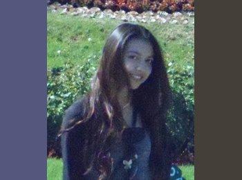 Isabel - 21 - Estudiante