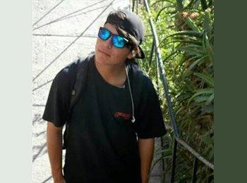 esteban  - 18 - Estudiante