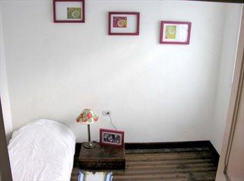 CompartoApto CO - Habitación en Barrio Prado cerca Estación Hospital - Zona Centro, Medellín - COP$*