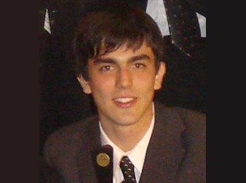 Roberto - 24 - Estudiante