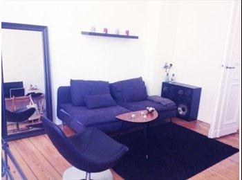 EasyWG DE -  Big room in a spacious 100m² flat / Kreuzberg - Berlin, Berlin - €600