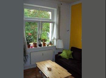 EasyWG DE - In Hafennähe: Sonniges Zimmer in 2er-Wg mit Garten - Stadtmitte, Rostock - €230