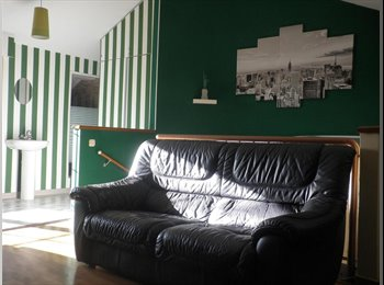 EasyPiso ES - Ático en zona residencial a 8 min de Pamplona - Pamplona, Navarra - €350