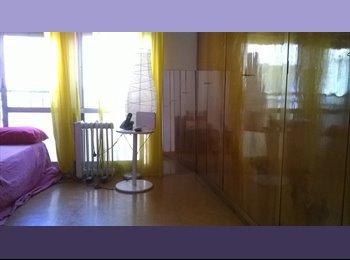 EasyPiso ES - Double and light, grande y luminosa habitación - Sarrià-Sant Gervasi, Barcelona - €500