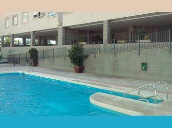 Habitaciones Libres Residencial con Piscina