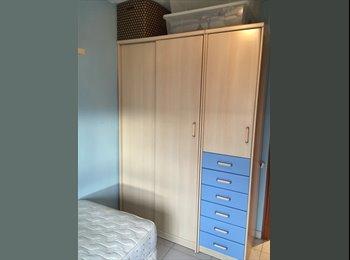 EasyPiso ES - Habitación individual - St Feliu De Llobregat, Barcelona - €300