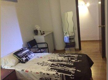 EasyPiso ES - Habitación castelldefeles - Castelldefels, Barcelona - €400