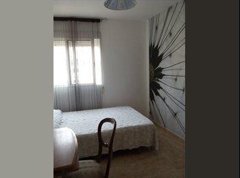 EasyPiso ES - Habitaciones en chalet - Centro, Almería - €200