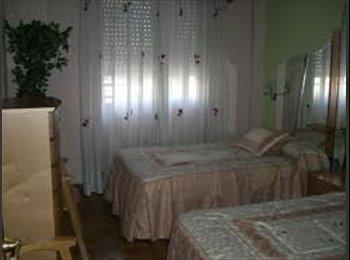 EasyPiso ES - Habitación de dos camas - Centro, Navarra - €230