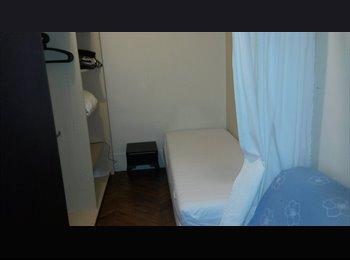 petite chambre dans grand appartement bien situé