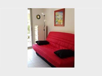 studio-cabine au lavandou(residence avec piscine)