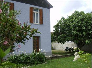 Appartager FR - Colocation pour 4 étudiants dans maison à Tarbes - Tarbes, Tarbes - €300