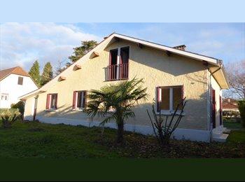 Appartager FR - Colocation en villa entre jeunes sur Lescar. 5 ch - Lescar, Pau - €325