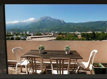 Chambres meublées dans F5 avec vue  à Grenoble