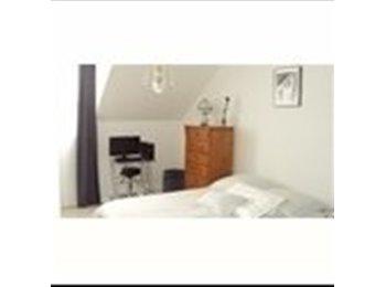 Appartager FR - Propose colocation dans un superbe duplex - Champigny-sur-Marne, Paris - Ile De France - €500
