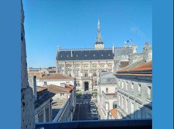 Appartager FR - Centre vieille ville très beau duplex 110 m2 - Angoulême, Angoulême - €300