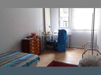 chambre spacieuse dans grand 3 pièces