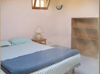 Appartager FR - chambre meublée à la campagne - Crest, Valence - €390