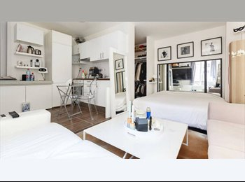Appartager FR - Grand Studio à partager Paris Centre- GAY ONLY - 2ème Arrondissement, Paris - Ile De France - €650