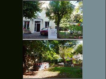 Appartager FR - 2 chambres dans une grande maison avec jardin - Saint-Etienne, Saint-Etienne - €250
