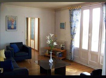 Appartager FR - Colocation ch 11,7 m2 meublée dans 67 m2 meublé - 7ème Arrondissement, Lyon - €450