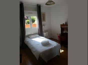 Appartager FR - Chambre meublée tout confort - Castelginest, Toulouse - €350