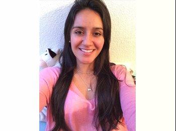 Alejandra - 22 - Etudiant